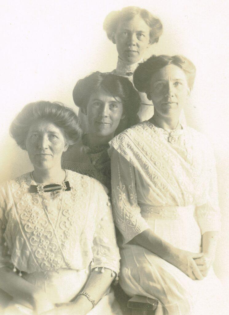 Systrarna Persson i USA